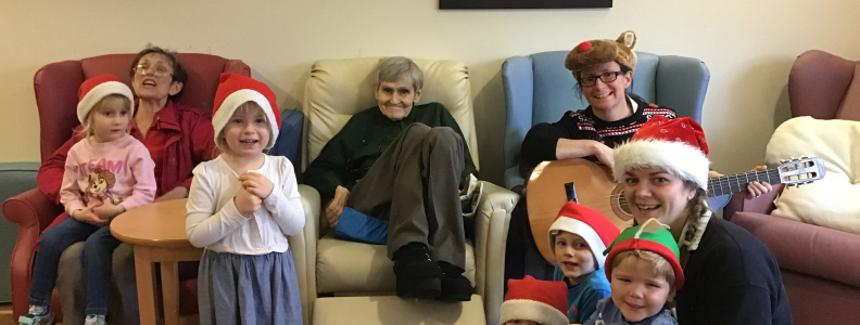 A festive visit to the care home